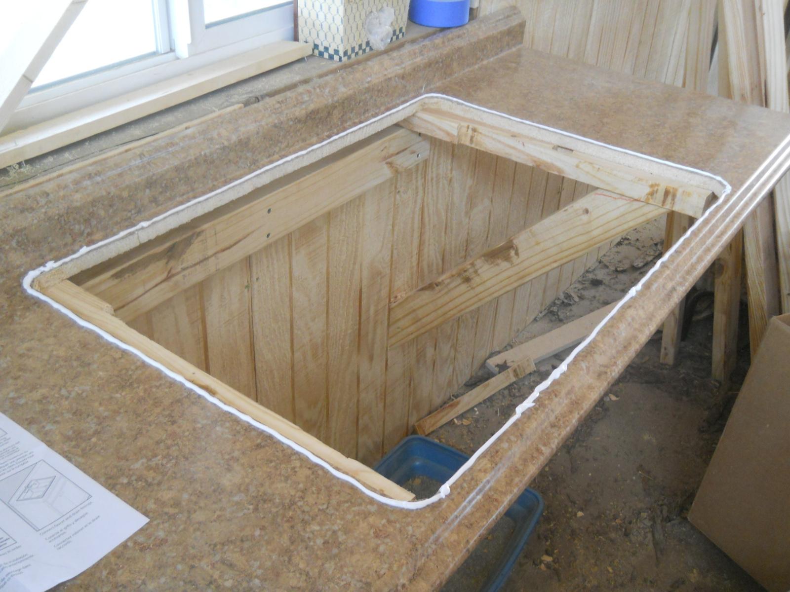 100 caulking kitchen backsplash install tile over for Caulking kitchen cabinets
