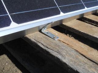 Solar Panel Front Bracket to Palette
